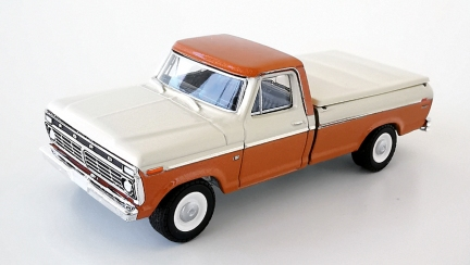 gallery/73 f-100 with bedcover beige burnt orange poly gl bruks 1a blue collar r6 dragkrok svart inredning